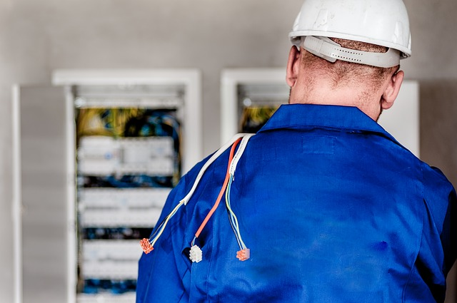 commercial electrician in Saint Paul, MN